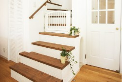 写真:木製階段