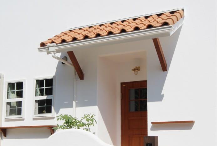 写真:木製玄関ドア