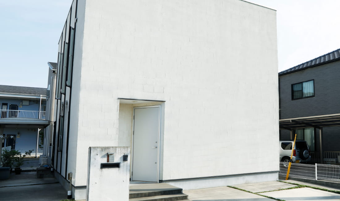写真:玄関ドア